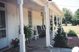 Paradise Manor, porch